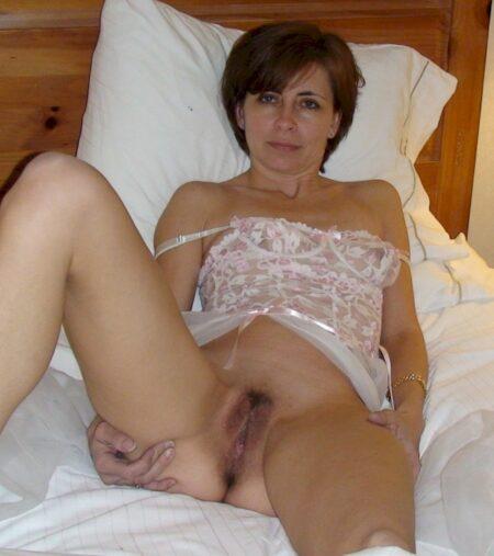 Cougar sexy réellement chaude recherche un mec charmant