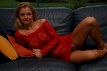 Très jolie coquine qui a besoin d'un plan sexe